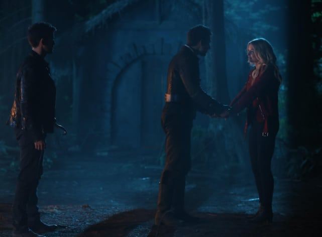 A Gloomy Farewell? - Once Upon a Time Season 7 Episode 2