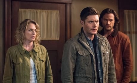 Sam, Dean and Mary arrive - Supernatural Season 12 Episode 23