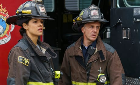 Looking On - Chicago Fire Season 5 Episode 9