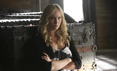 Caroline in Captivity - The Vampire Diaries Season 7 Episode 3