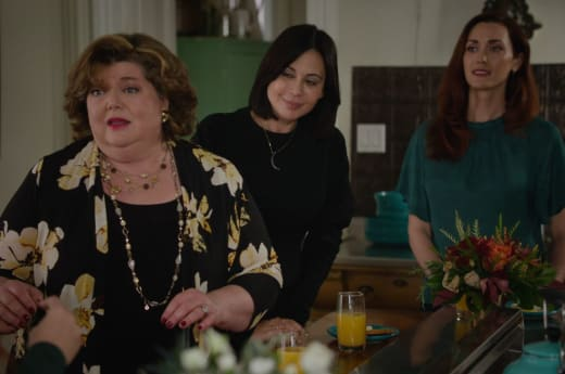 Getting Together for Claire Day - Good Witch Season 7 Episode 3