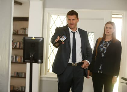 Watch Bones Season 10 Episode 4 Online