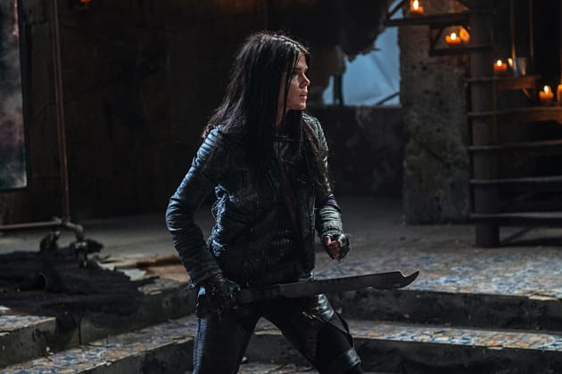 Poised for Battle - The 100 Season 3 Episode 16