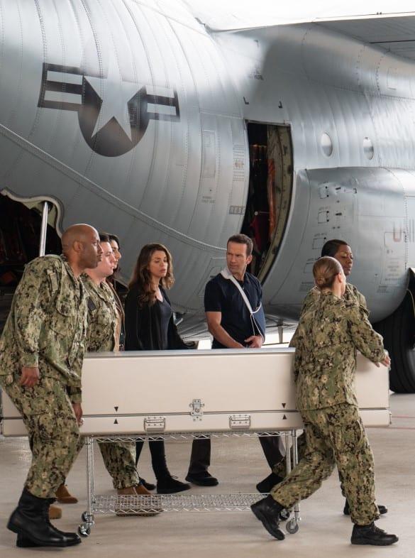 Hero's Return - NCIS: New Orleans Season 5 Episode 24