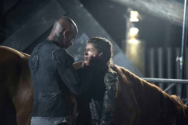 Linctavia! - The 100 Season 3 Episode 1