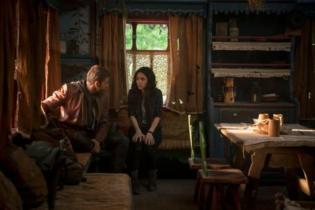 Safe Cabin - Emerald City Season 1 Episode 7
