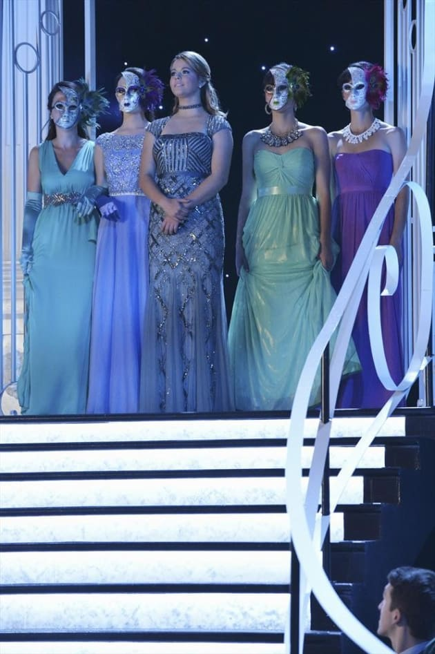 Ali and her Minions - Pretty Little Liars Season 5 Episode 13