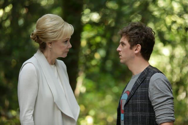 Melanie and david talk legion s1e2