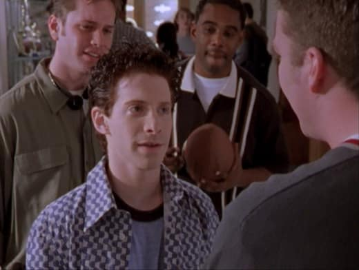 Guy Talk - Buffy the Vampire Slayer Season 2 Episode 15
