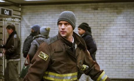 On the Lookout - Chicago Fire Season 6 Episode 13