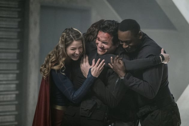 Group Hug! - Supergirl Season 2 Episode 14