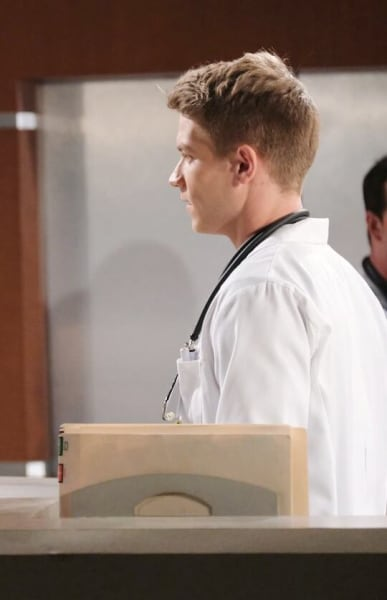 Tripp Tips Off Kayla / Tall - Days of Our Lives