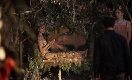 Royal Reading - Shadowhunters Season 2 Episode 20
