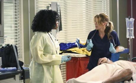 In Need of Help - Grey's Anatomy Season 11 Episode 1