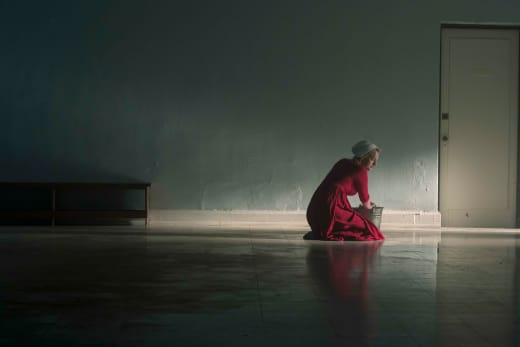 Waiting for her Chance - The Handmaid's Tale Season 3 Episode 1