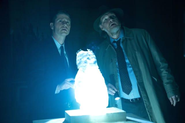 The glowing owl gotham season 3 episode 19
