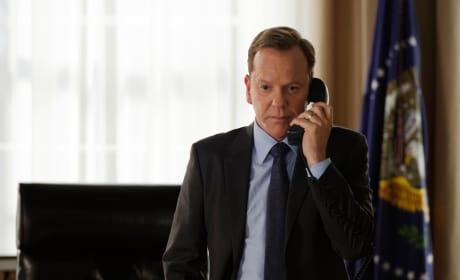 Phone Call - Designated Survivor Season 1 Episode 4