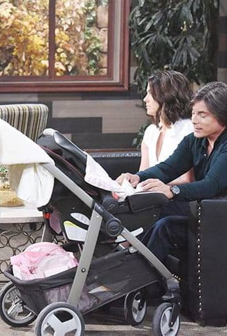 Bonding With the Baby - Days of Our Lives