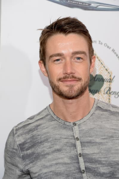 Robert Buckley Attends Event