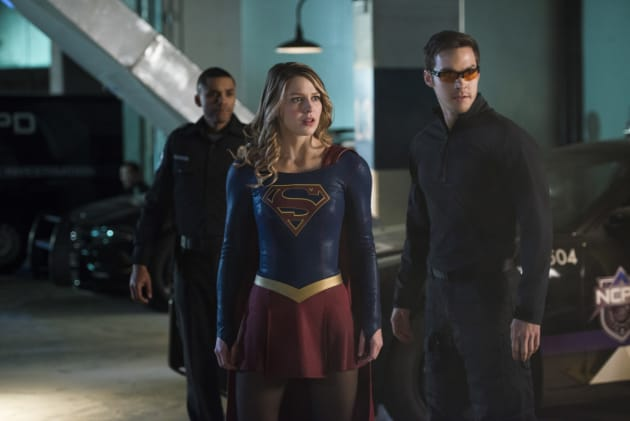 Mon-El the Superhero - Supergirl Season 2 Episode 10