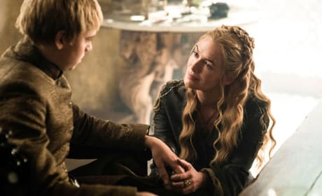 Cersei Consoles King Tommen - Game of Thrones Season 5 Episode 7