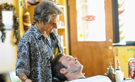 Steve Leaning Back - Hawaii Five-0 Season 5 Episode 19