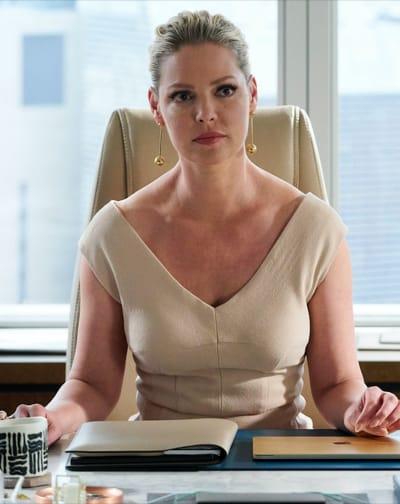 Samantha Saves a Friend - Suits Season 8 Episode 15
