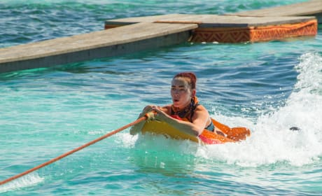 Chelsea Townsend In the Water - Survivor