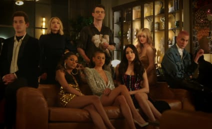 Gossip Girl Reboot Unveils a New Batch of Scheming Teenagers and the Return of Kristen Bell in First Teaser