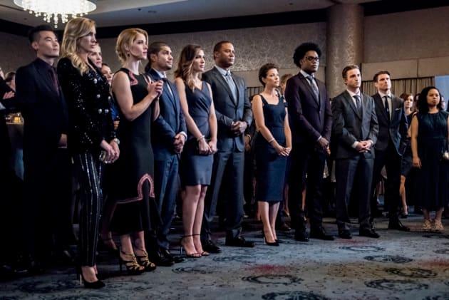 F.R.I.E.N.D.S.  - Arrow Season 7 Episode 8