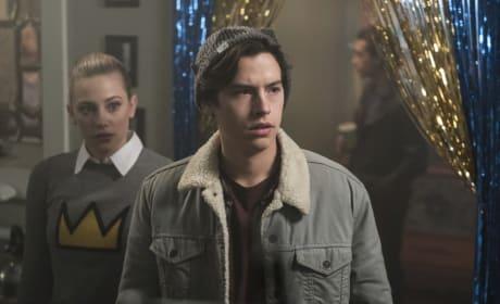 Unwanted Surprises - Riverdale Season 1 Episode 10