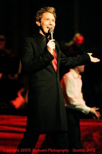 Clay Aiken Sings