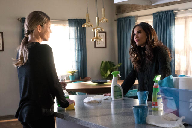 Sisters - Lucifer Season 2 Episode 14