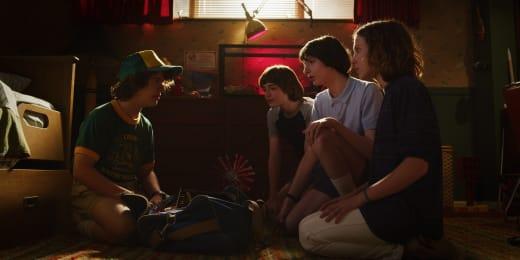 Dustin Returns Home - Stranger Things Season 3 Episode 1