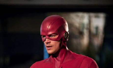 Flash Suits Up - The Flash Season 5 Episode 22