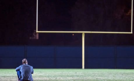 Kevin on the Football Field - This Is Us Season 2 Episode 8
