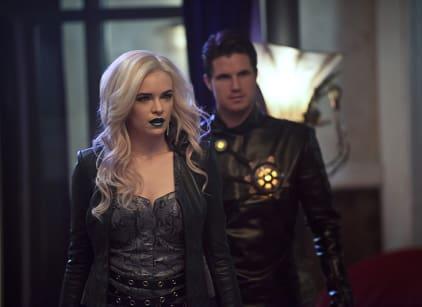 Watch The Flash Season 2 Episode 13 Online