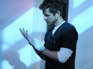 The Resident Season 2 Episode 1 Review: 0:42:30 - TV Fanatic