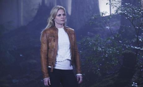 Emma's New Jacket - Once Upon a Time Season 4 Episode 5