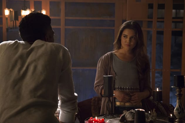 Staring Down Vincent - The Originals Season 2 Episode 22