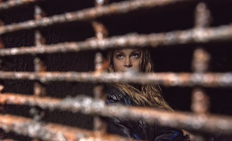 Caged - The 100 Season 2 Episode 10