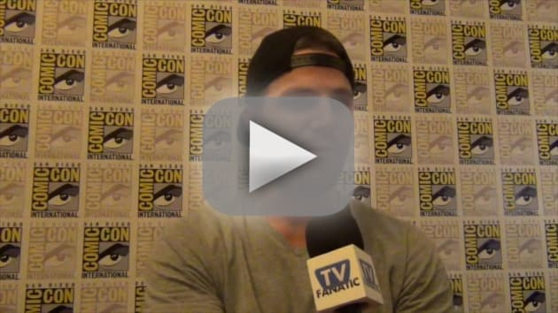 Stephen amell teases very different season 4