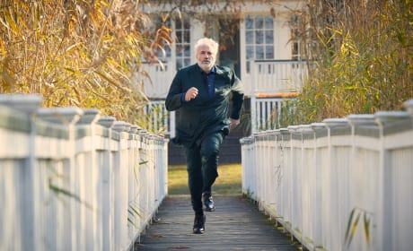 Konstantin on the Run - Killing Eve Season 1 Episode 7