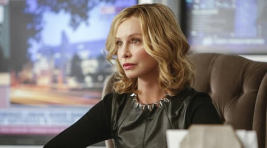 Cat Grant Will Be Back For A Couple Of Episodes - Supergirl