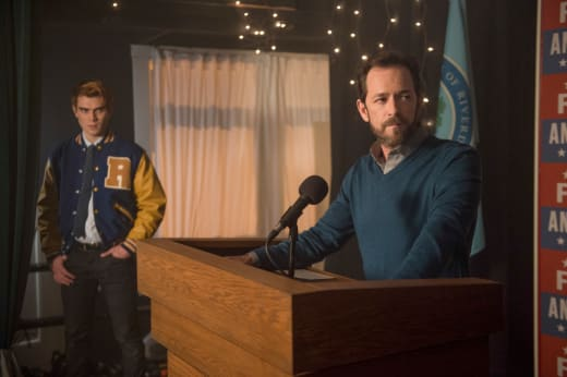 Fred For Mayor - Riverdale Season 2 Episode 20