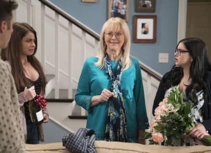Watch Modern Family Season 9 Episode 20 Online