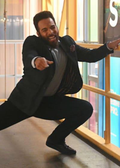 Simon dance - Zoey's Extraordinary Playlist Season 2 Episode 4