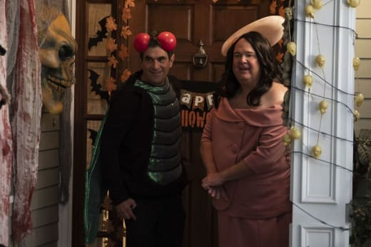 An Epic Halloween - Modern Family
