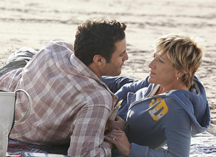 Watch Nurse Jackie Season 2 Episode 1 Online