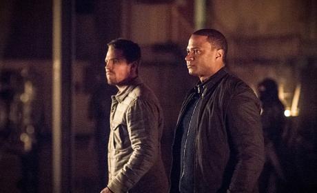 Ollie and Diggy - Arrow Season 4 Episode 13
